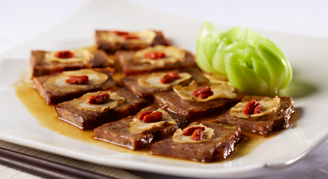 Braised Alberta Beef Rib with Ginseng and Goji Berries by Chef Andy Liu